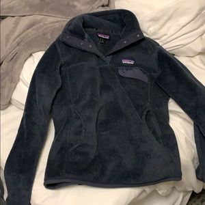 Patagonia blue pocket fleece